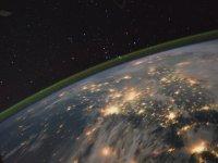 ISS ile Üstten Kısa Dünya Turu (Time Lapse Footage)