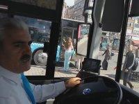 Bisikletiyle Otobüse Binmek İsteyen Genci Medenice Uyaran Otobüs Şöförü