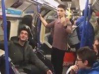 Londra Metrosunda İzmir Marşı
