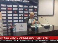 Bahsi Kaybedince Gazete Yiyen Spor Yazarı