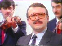 Prof.Dr.Hüsnü Can Başer - Sarı Güller (1985)