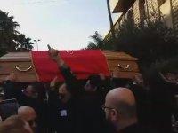Bol Ritimli Tabut Oynattıran Cenaze Töreni