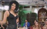 Dar Elbiseli Rus Kediciğin Adnan Oktar'ı Cezbeden Dansı