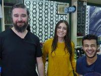 İlk Kez Erkek Berber Deneyimi Yaşayan Türk Kızı
