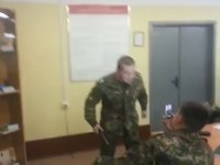 Rus Askerin Kendi Kendine Elektrik Vermesi