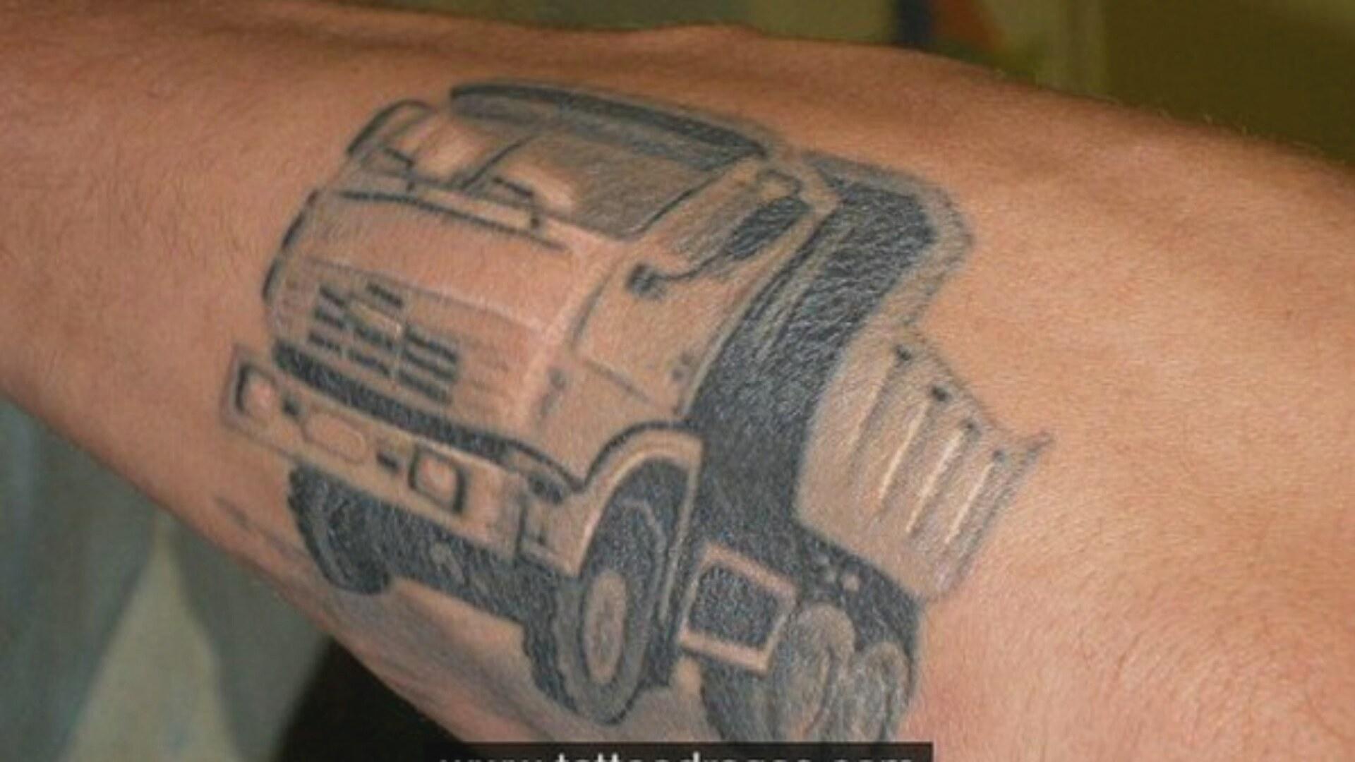 Наличие татуировки может стать причиной отказа в приеме на 84