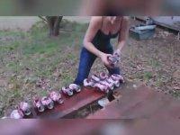 Dr Pepper Kutusunu Göğüsleri İle Patlatan Kadının Hazin Sonu