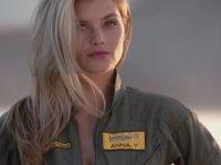 Analı Kızlı Saat Reklamı - Breitling
