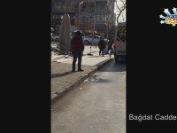 Bağdat Caddesi'nde Yolun Ortasına İşeyen Adam