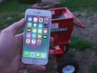 Ağaç Öğütme Makinesinin İçine iPhone 7 Atmak