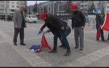 Hollanda Bayrağı Diye Fransa Bayrağı Yakmak  Samsun