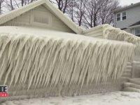 Kar Fırtınasıyla Oluşan Buz Evi