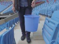 Taraftarına Ceza Olarak Koltukları Sildiren Trabzonspor Yöneticileri