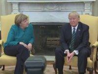 Trump'ın Merkel'in Elini Sıkmaması