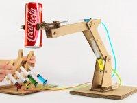 Hidrolik Sistemli Karton ve Şırıngalar ile Yapılmış Robotik Kol