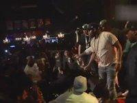 50 Cent'in Hayranına Yumruk Atması