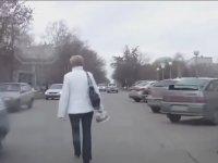 Trafikte Canlarını Hiçe Sayan Rus Yayalar