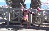 Sokak Ortasında Twerk Yapan Kız