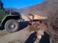 Rusya'da Sıradan Bir Araç Kurtarma Operasyonu
