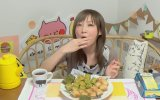 Tek Oturuşta 1 Kg Baklava Yiyen Japon Kız