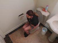 Tuvaletteki Sevgiliye Aşırı Gerçekçi Tarantula Şakası!