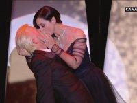 Monica Bellucci'nin Öpüşmesi - Cannes