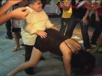 Venezuela'da Mezuniyet Balosu Dansı