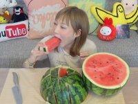 10 Kiloluk Karpuzu Tek Başına Yiyen Japon Kız