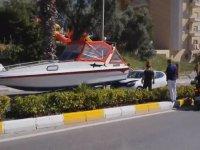 Yatın Otomobil İle Çarpışması - Türkiye