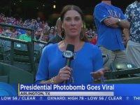 George Bush'un Bayan Muhabir'i Trollemeye Çalışması!