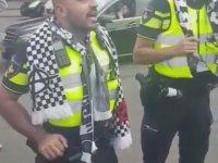 Beşiktaş Taraftarına Üçlü Çektiren Hollanda Polisi