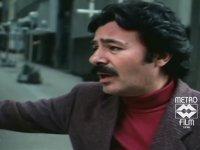 Ferdi Tayfur - Bizim Sokaklar Orjinal Film Klibi (1985)