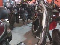 Hurdadan Otomatik Vitesli Motosiklet Üretmek - Van