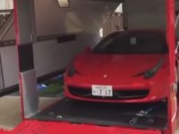 Ferrari'nin Sahibine Teslim Edilme Anı