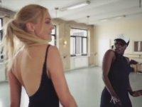 Meryem Üzerli'nin Muhteşem Dans Performansı