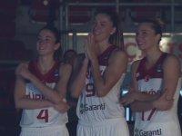A Milli Kadın Basketbol Takımımıza Babalarından Büyük Sürpriz!