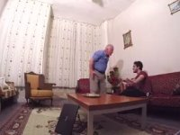 'Babama Şaka Yaptım' Ayağına Fake Video Çeken Yutubır