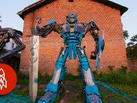 Hurda Parçalar Kullanarak Transformers Robotları Üretmek
