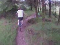 Bisikletlilerin Ormanda Karsilastiklari Gizemli Olay