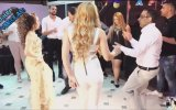 Beyaz Dar Tulumlu Hatunun Baş Döndüren Dansı