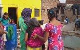 Hindistan'da Sıradan Bir Gün 3 Aile İçi Kavga İçerir
