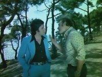 Haydi Gençlik Hop Hop Hop - Erol Büyükburç & Tennur Solak (1975 - 68 Dk)