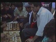 Sadece Satranç ve Dama Oynanan Kahvehane (1994)