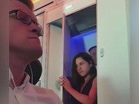 Uçak Tuvaletinde Yakalanan Çift