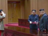 Kim Jong Un'un Füzelerine Şarkı Yapanları Ödüllendirmesi