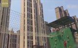 Çinli İtfaiyecilerin Örümcek Adam Kadar Hızlı Performansa Sahip Olması