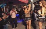 Düğünü Coşturan Mayolu Dansçı Hatunlar