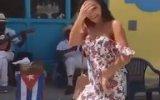 Küba'da Sokak Dansı