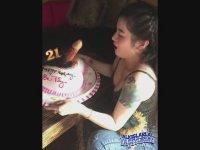 Doğum Gününde Malafatlı Pasta Hüpleten Hatun (+18)