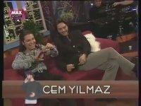 Cem Yılmaz Beyaz Show'a Telefon İle Bağlanıyor (1998)